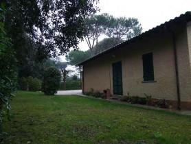 Riferimento VAF201 - Villa in affitto a