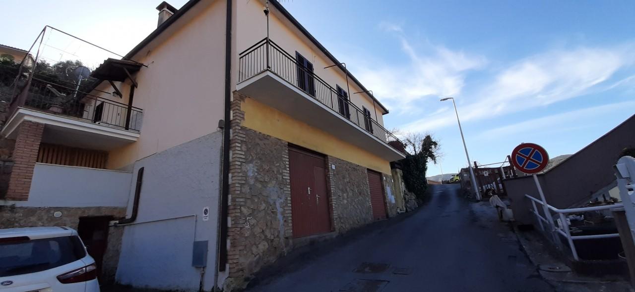 Villa in vendita a Monte Argentario, 7 locali, prezzo € 550.000   CambioCasa.it