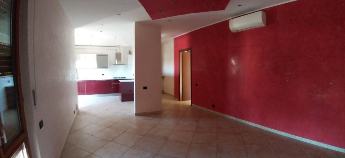 Appartamento in vendita a Venegono Inferiore, 4 locali, prezzo € 138.000 | CambioCasa.it