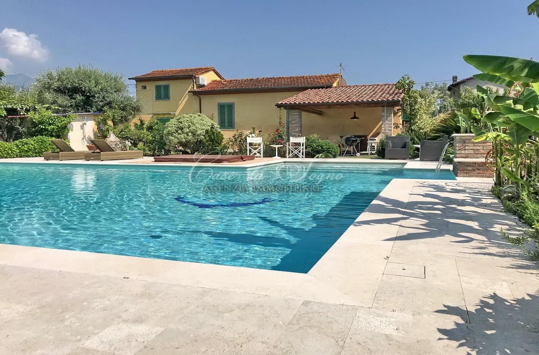 363 - cover Villa tuscany