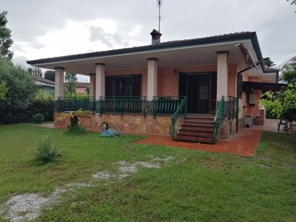 Riferimento 4M2.517 - Villa in Vendita a Massarosa