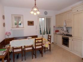 Riferimento BAF321 - Villa Bifamiliare in affitto a