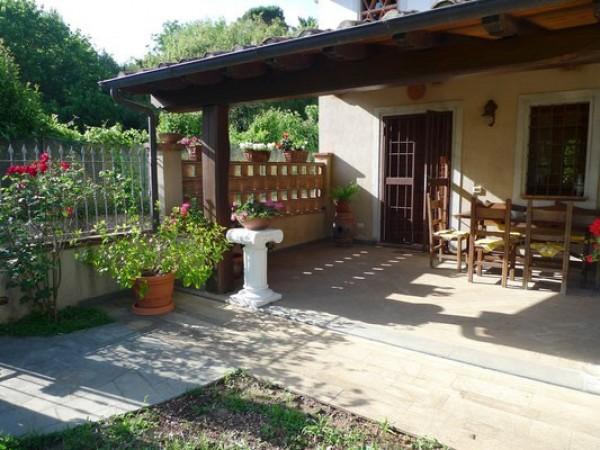 Rif. 2127 - villa bifamiliare in affitto a Camaiore | Foto 2