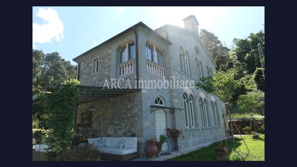 Villain Vendita, Massarosa - Collina - Riferimento: 2915