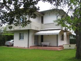 Riferimento VAF574 - Villa in affitto a