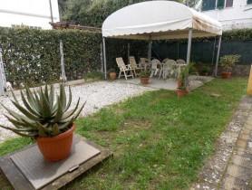 Riferimento VAF327 - Villa Singola in affitto a