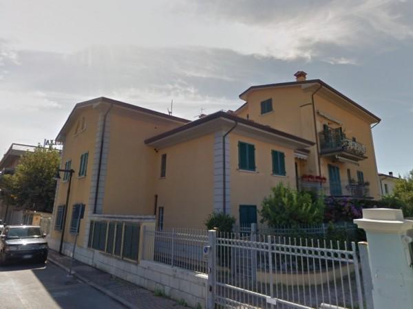 Appartamento 2 Camere in vendita, Massa, marina di massa