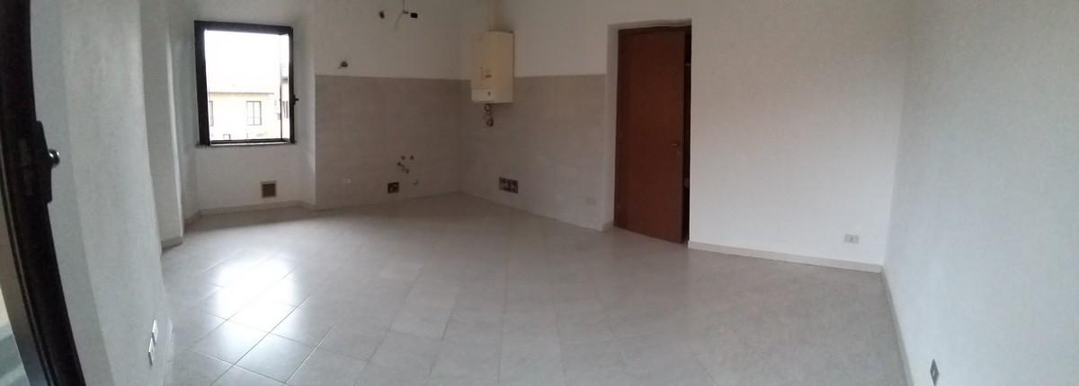 Appartamento in vendita a Lonate Ceppino, 3 locali, prezzo € 94.000 | CambioCasa.it