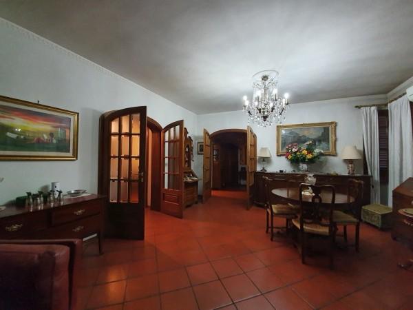 Riferimento 2F2512 - Villa in Vendita a Torre Del Lago Puccini