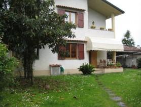 Riferimento BV216 - Villa Bifamiliare in vendita a