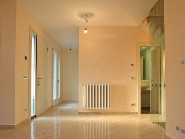 Villa Quadrifamiliare in vendita, Viareggio, Città Giardino