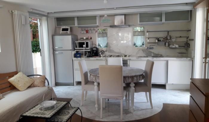 Riferimento vaiana - Casa Indipendente in Affitto a Marina Di Pietrasanta
