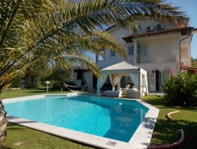 Riferimento VAF827 - Villa Singola in affitto a