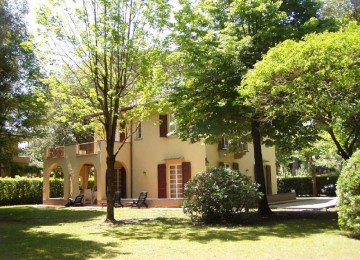 Bella villa d'epoca in vendita