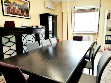Appartamento piano alto con ba
