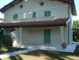 Riferimento BV254 - Villa Bifamiliare in vendita a