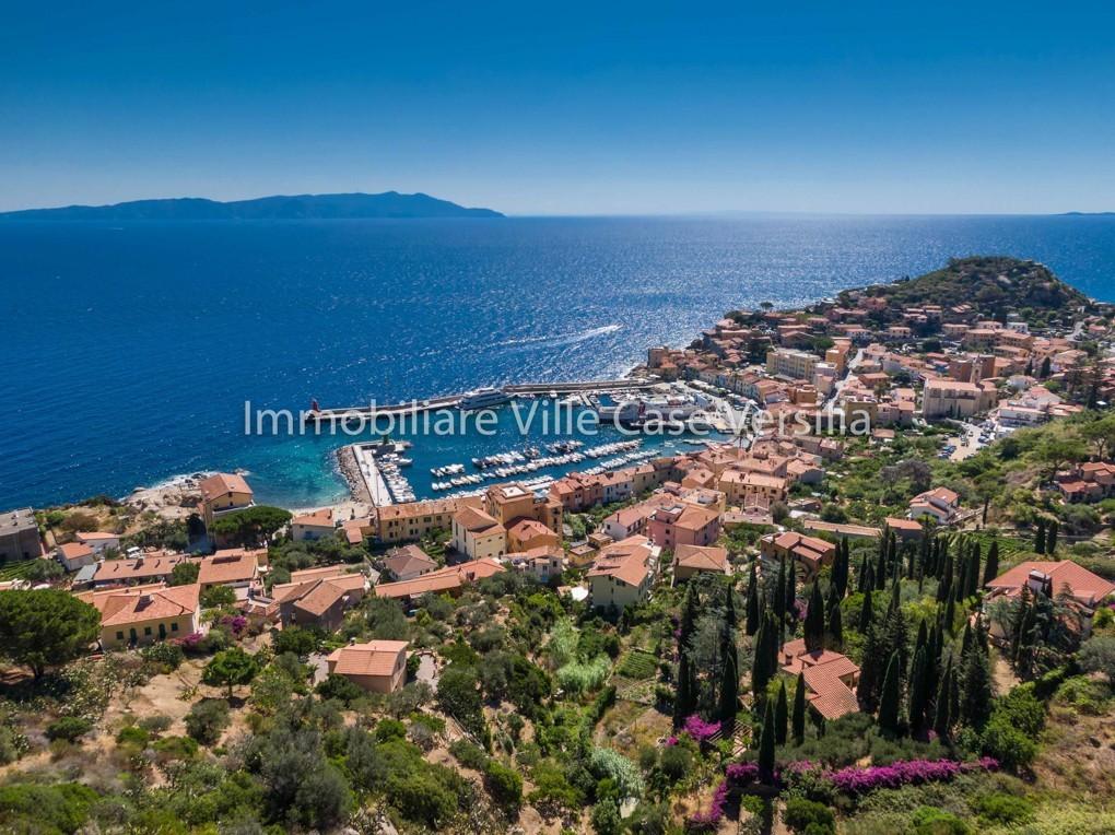 Villa in vendita a Isola del Giglio, 7 locali, prezzo € 2.450.000   CambioCasa.it