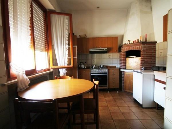 Appartamento con ingresso indi
