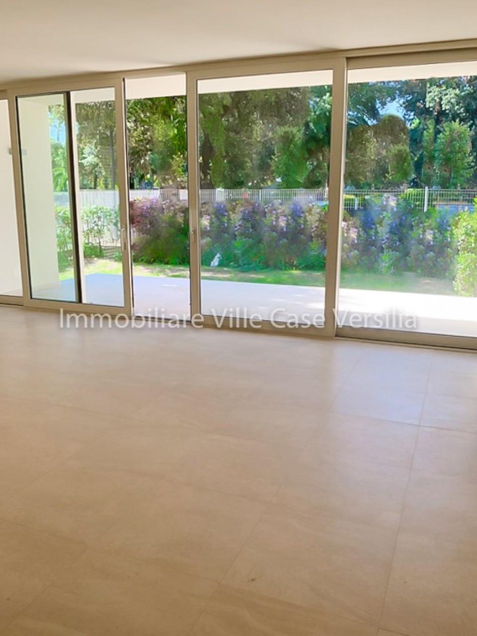 Appartamento in vendita a Pietrasanta, 3 locali, prezzo € 380.000 | PortaleAgenzieImmobiliari.it
