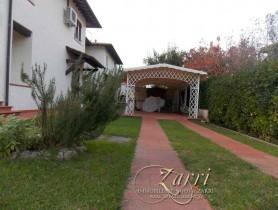Riferimento BV642 - Villa Bifamiliare in vendita a