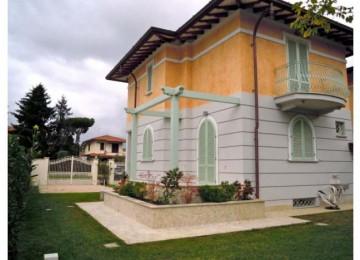 Villa bifamiliare in vendita a
