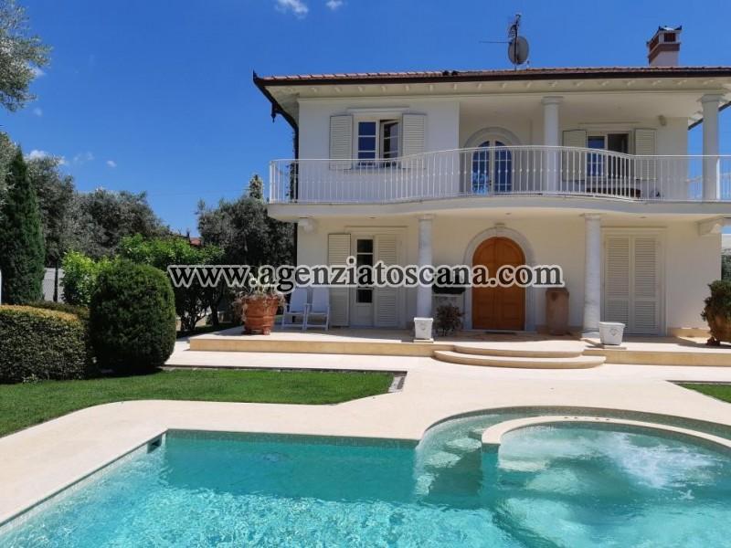 Villa With Pool for sale, Pietrasanta - Crociale -  2