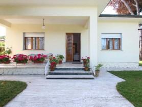 Riferimento VAF573 - Villa Singola in affitto a