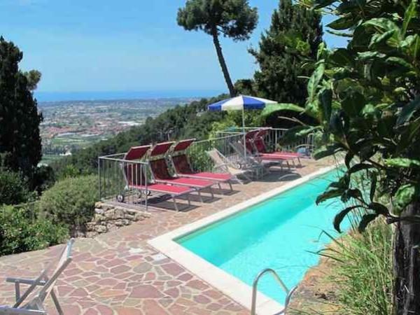 Villa Singola in vendita, Massarosa, Piano di Mommio