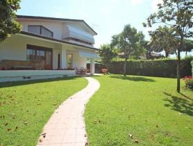 Riferimento VAF575 - Villa in affitto a