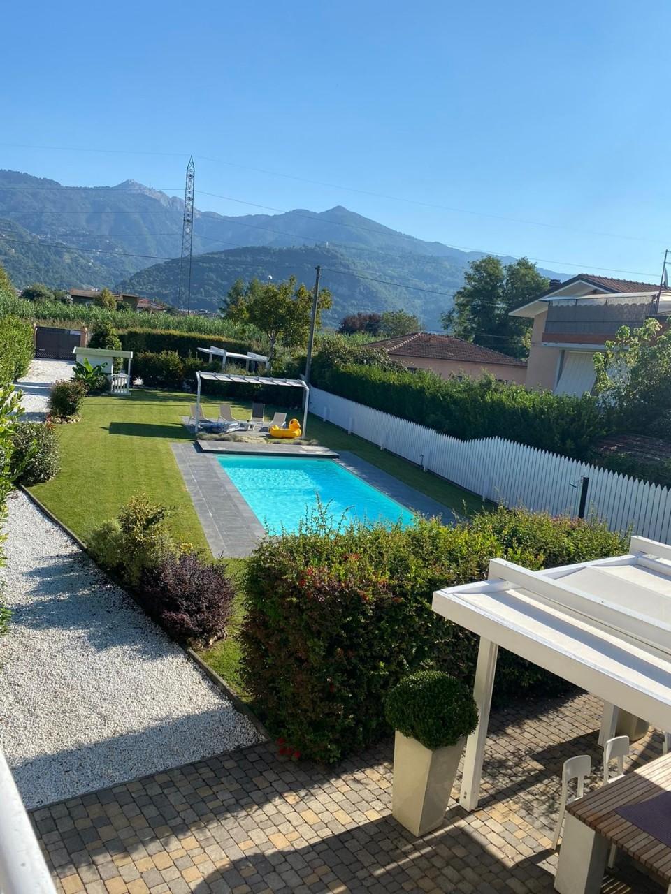 Villa in vendita a Montignoso, 9999 locali, prezzo € 600.000   CambioCasa.it