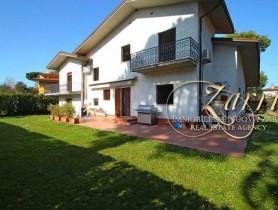 Riferimento VAF1013 - Villa in affitto a