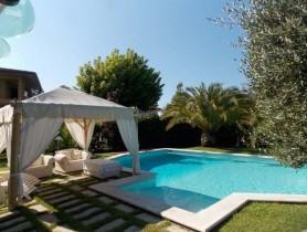 Riferimento BAF1057 - Villa Bifamiliare in affitto a