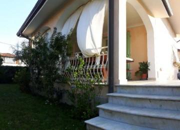 Villa singola in affitto a for