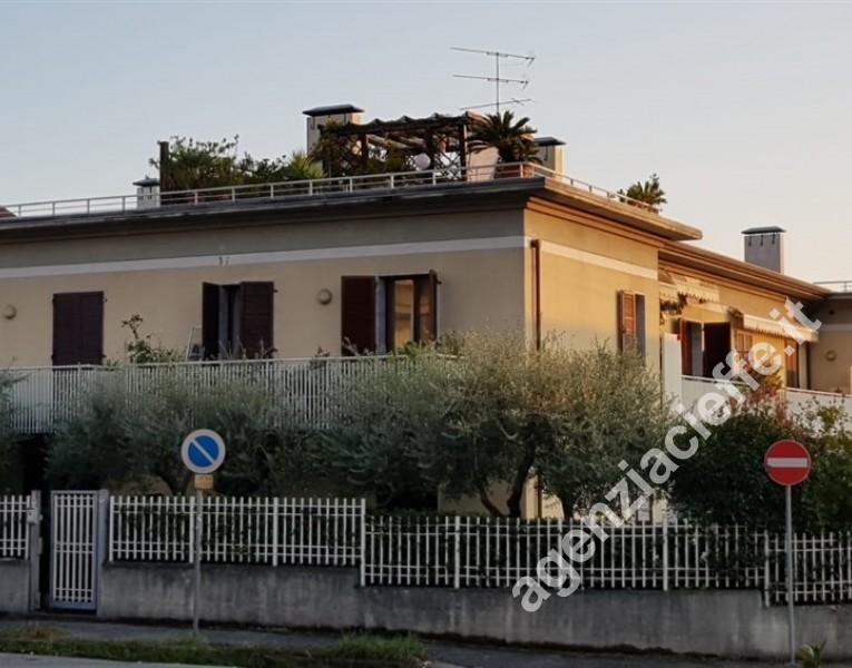 Massa, zona viale roma e vicin