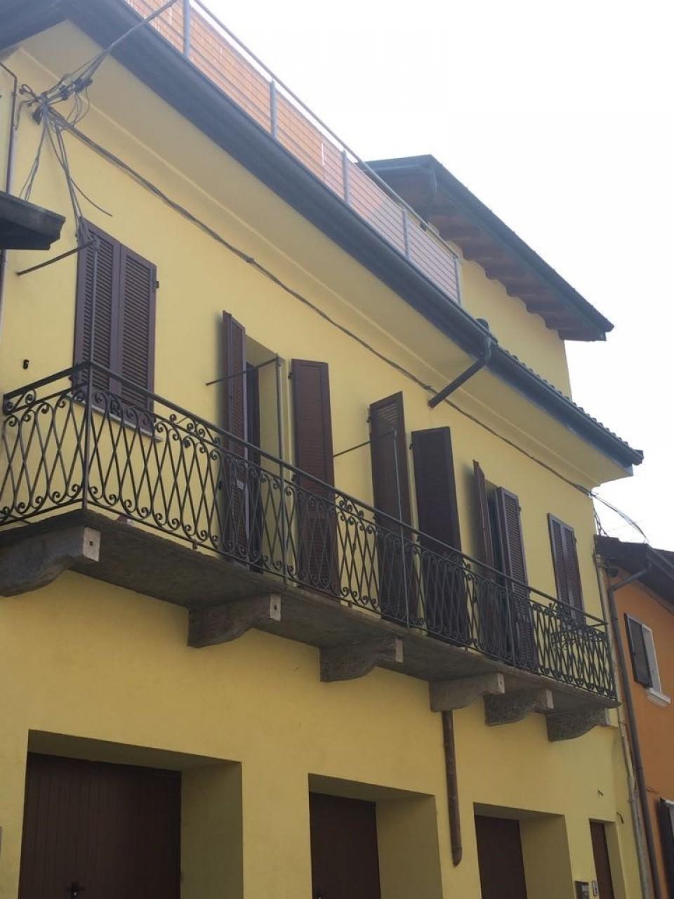Appartamento in vendita a Ternate, 2 locali, prezzo € 115.000 | CambioCasa.it