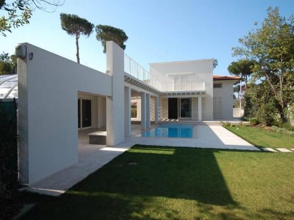 Riferimento 108 - Villa in Vendita a Pietrasanta