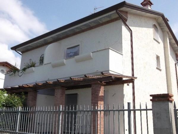 Villa Bifamiliare in vendita, Seravezza, Querceta
