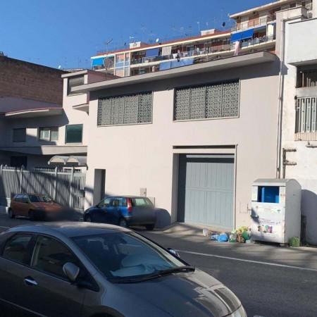 Vendesi Capannone Napoli