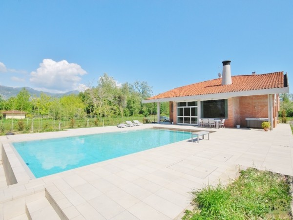 Riferimento LT 1003 Villa Alvaar - Villa Singola in Affitto a Marina Di Pietrasanta