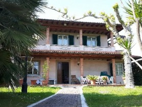 Riferimento VAF572 - Villa in affitto a