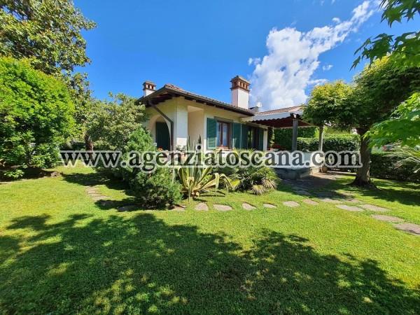 Villa Con Giardino In Forte Centro
