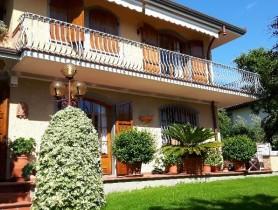 Riferimento VAF549 - Villa in affitto a