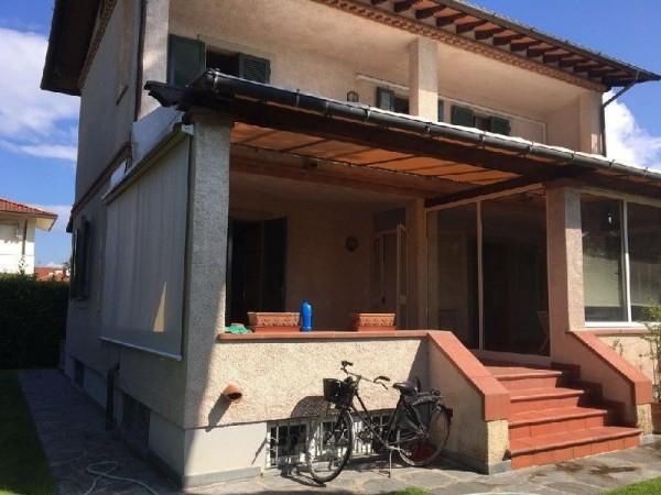 Riferimento 381 - Casa Indipendente in Vendita a Forte Dei Marmi