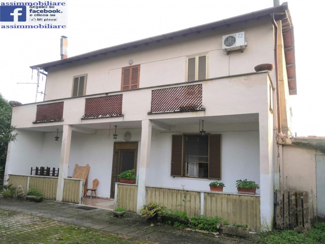 Villa in vendita a Cisterna di Latina, 9999 locali, prezzo € 129.000   CambioCasa.it