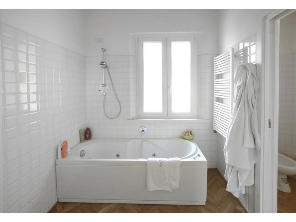 Rif 227 - cover Elegante rustico con piscina