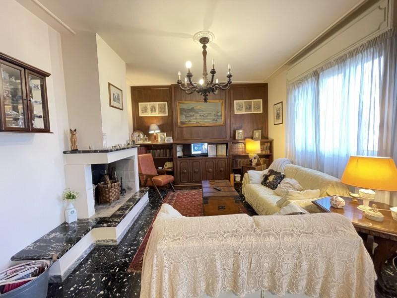 Attico / Mansarda in vendita a Camaiore, 5 locali, prezzo € 379.000 | PortaleAgenzieImmobiliari.it