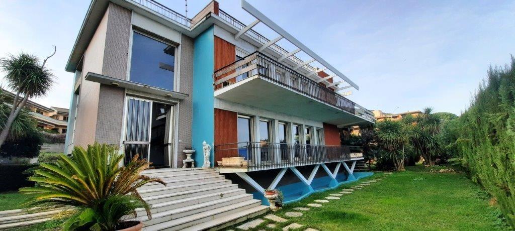 Villa in vendita a Monte Argentario, 10 locali, prezzo € 1.450.000   CambioCasa.it
