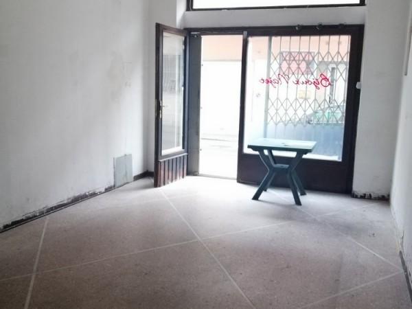 Riferimento 1A4501 - Locale Commerciale in Vendita a Viareggio