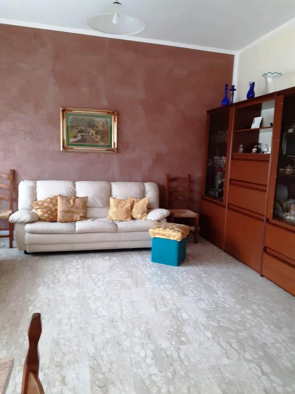 Appartamento in vendita a Viareggio, 6 locali, prezzo € 160.000   PortaleAgenzieImmobiliari.it