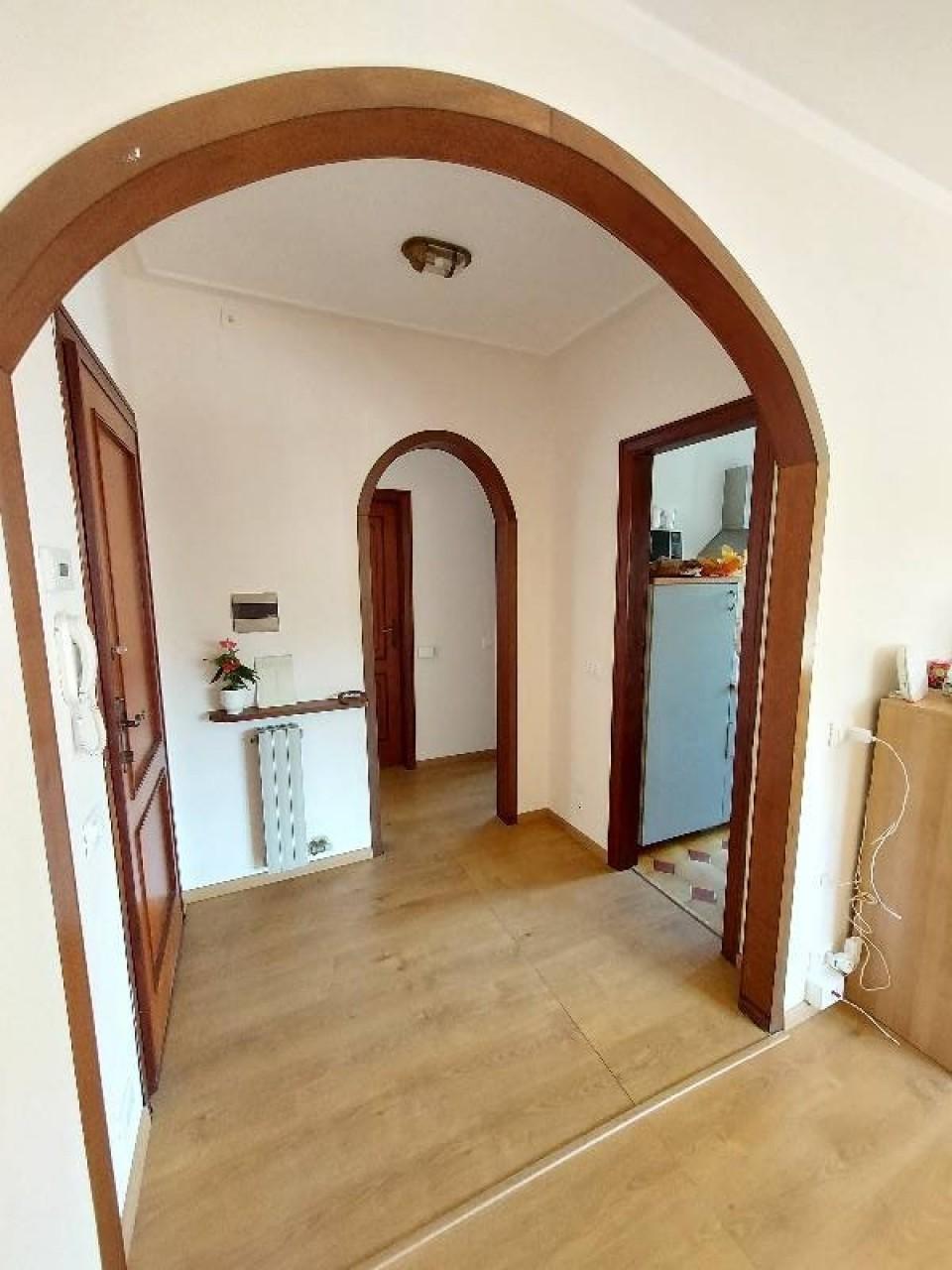Appartamento in affitto a Camaiore, 3 locali, prezzo € 1.300 | CambioCasa.it